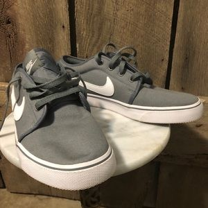 Men's Grey Nike Canvas Shoes